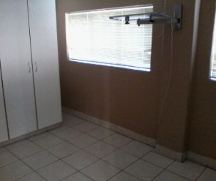 R 4,200 - 2 Bed Apartment To Rent in Theresapark