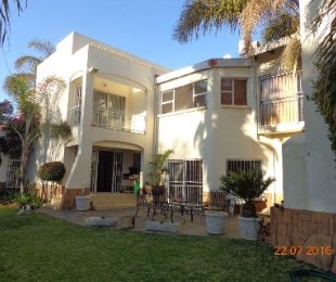 R 5,800,000 - 6 Bed House For Sale in Waterkloof Ridge