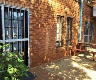 R 1,586,000 - 6 Bed Commercial Property For Sale in Zwartkop