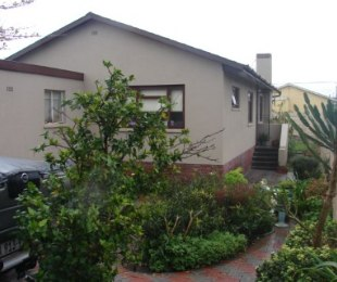 R 1,580,000 - 3 Bed House For Sale in Southfield