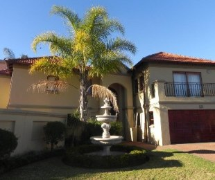 R 2,550,000 - 5 Bed House For Sale in Melodie
