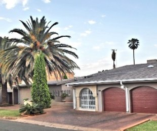 R 3,500,000 - 5 Bed Home For Sale in Lenasia