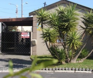 R 898,000 - 2 Bed Home For Sale in Ottery