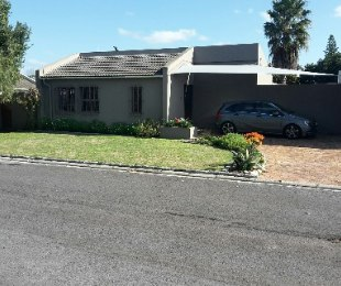 R 2,750,000 - 3 Bed House For Sale in Edgemead
