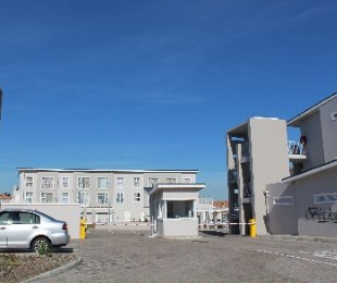 R 780,000 - 2 Bed Flat For Sale in Brackenfell