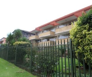 R 399,000 - 2 Bed Apartment For Sale in Florida