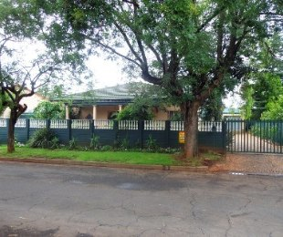 R 8,500 - 3 Bed Home To Rent in Dalview