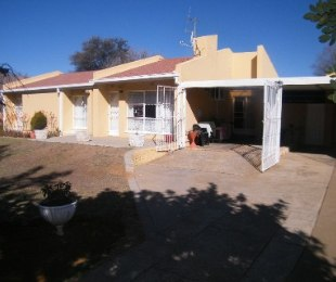 R 550,000 - 3 Bed Home For Sale in Flamingo Park