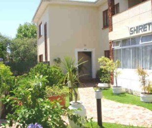 R 1,150,000 - 2 Bed Apartment For Sale in Bergvliet
