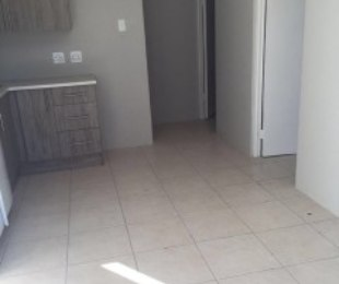 R 5,500 - 2 Bed Flat To Rent in East London