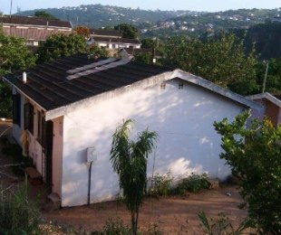 R 450,000 - 2 Bed Home For Sale in Newlands West