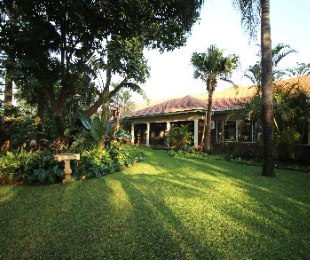 R 2,100,000 - 5 Bed House For Sale in Florauna