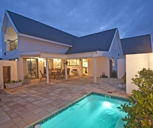 R 3,100,000 - 4 Bed Home For Sale in St Francis Bay Links