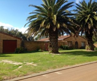 R 3,075,000 - 7 Bed Smallholding For Sale in Sunnydale
