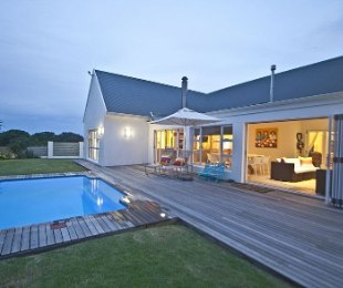 R 5,270,000 - 4 Bed Home For Sale in St Francis Bay Links