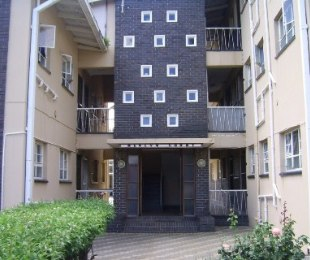 R 271,375 - 1 Bed Apartment For Sale in St Helena