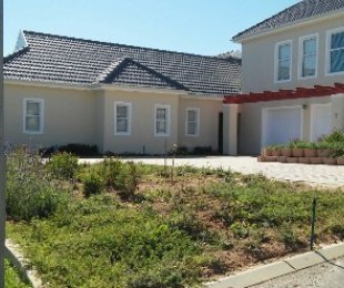 R 25,000 - 4 Bed House To Rent in Durbanville