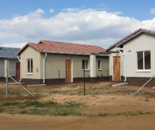 R 495,000 - 3 Bed House For Sale in Windmill Park