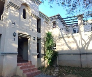 R 1,950,000 - 3 Bed Flat For Sale in Eagle Canyon Golf Estate