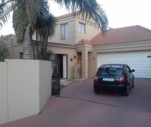 R 1,850,000 - 3 Bed Home For Sale in Glen Marais