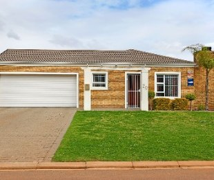 R 1,599,000 - 3 Bed House For Sale in Kraaifontein