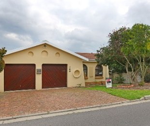 R 1,900,000 - 3 Bed Home For Sale in Brackenfell