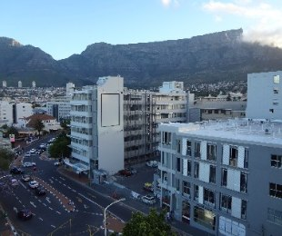 R 2,650,000 - 2 Bed Flat For Sale in Cape Town