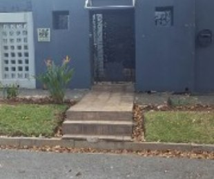 R 1,750,000 - 3 Bed House For Sale in Mayfair West