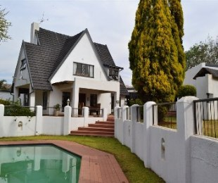 R 2,200,000 - 4 Bed Property For Sale in Helderkruin