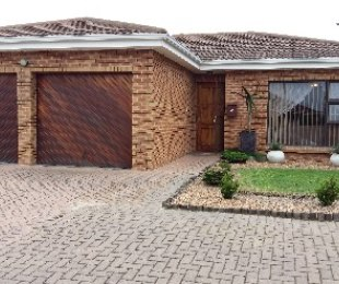 R 1,899,000 - 4 Bed House For Sale in Brackenfell