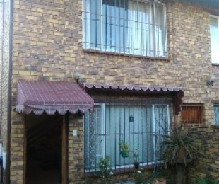 R 695,000 - 2 Bed Property For Sale in Windsor