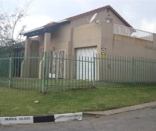 R 895,000 - 3 Bed Home For Sale in Windsor