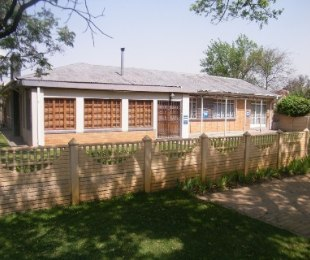 R 930,000 - 4 Bed House For Sale in Bedelia