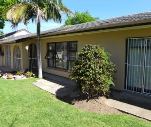 R 2,195,000 - 4 Bed Home For Sale in Blomtuin