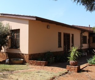 R 1,650,000 - 4 Bed House For Sale in Valhalla
