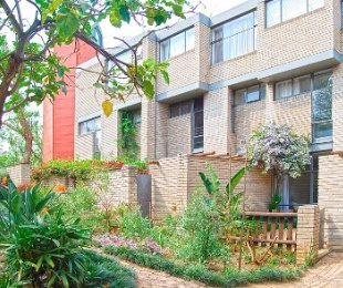 R 12,000 - 2 Bed Flat To Rent in Norwood
