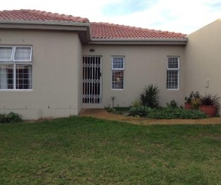 R 1,350,000 - 3 Bed House For Sale in Kraaifontein