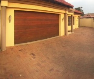 R 1,350,000 - 3 Bed Home For Sale in Ormonde View
