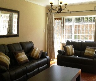 R 850 - 2 Bed Apartment To Let in Kenilworth