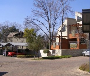 R 8,000 - 2 Bed Flat To Rent in Bryanston