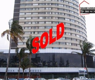 R 380,000 - 1 Bed Apartment For Sale in Esplanade