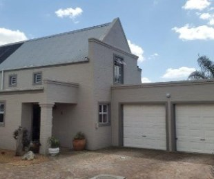 R 2,250,000 - 4 Bed Home For Sale in Sonstraal Heights