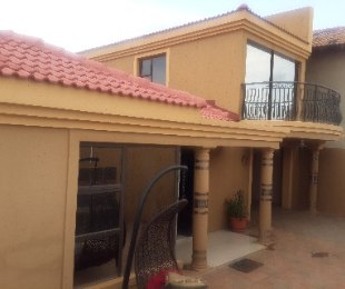 R 1,280,000 - 4 Bed House For Sale in Dobsonville