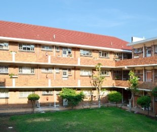 R 480,000 - 2 Bed Flat For Sale in Gresswold