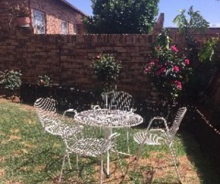 R 9,500 - 3 Bed Property To Let in Bromhof