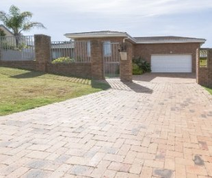 R 3,295,000 - 5 Bed Home For Sale in Vierlanden