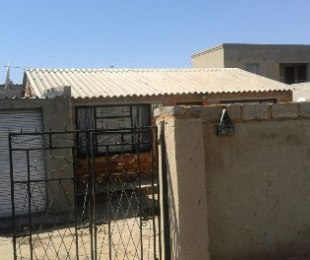 R 400,000 - 2 Bed House For Sale in Mapetla