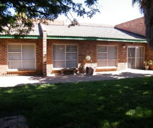 R 850,000 - 3 Bed House For Sale in Hennenman