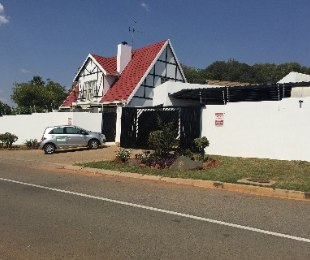 R 11,000 - 4 Bed House To Rent in Northgate