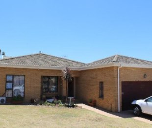 R 2,150,000 - 2 Bed House For Sale in Durbanvale